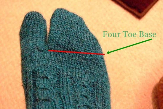Picking Up Stitches In Knitting Socks : Tabi Socks You Can Wear with Your Floppies!! Creative Knitting - Beyond Kni...