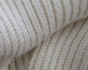 Slip stitch surface decoration: Fake Latvian Braid