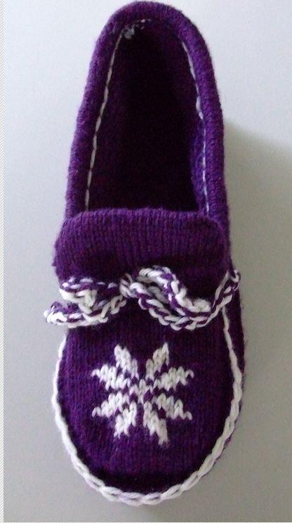Easy Knitting Pattern For Short Row Slippers : Short Row Moccasin Slipper Creative Knitting - Beyond ...