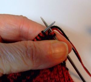 dk knitting-setting up for new row